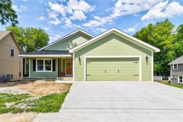 711 S 4th Street, Atchison, KS 66002 (#2327142) :: Tradition Home Group   Better Homes and Gardens Kansas City