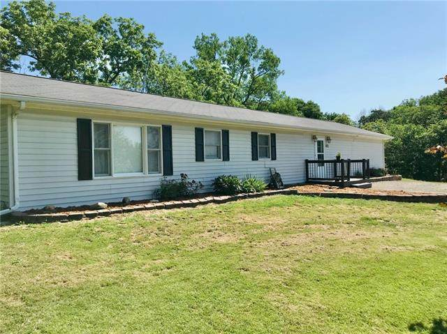 402 SW Elm Lane, Trenton, MO 64683 (#2327148) :: Eric Craig Real Estate Team
