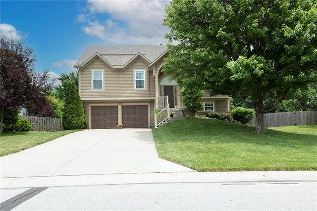 11941 S Troost Street, Olathe, KS 66061 (#2327178) :: Audra Heller and Associates