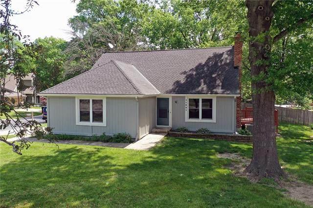 11931 W 66th Terrace, Shawnee, KS 66216 (#2327217) :: Ron Henderson & Associates