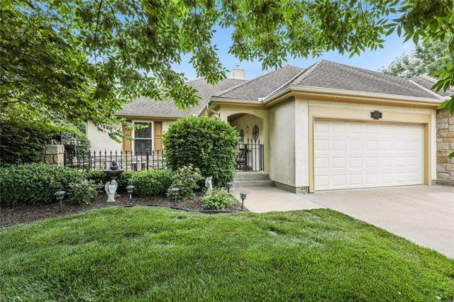 4133 SW James Younger Drive, Lee's Summit, MO 64082 (#2327242) :: Beginnings KC Team