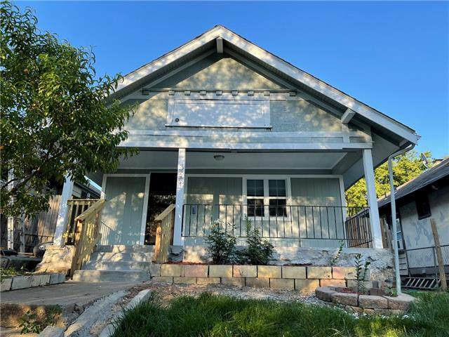 535 Myrtle Avenue, Kansas City, MO 64124 (#2327274) :: Five-Star Homes