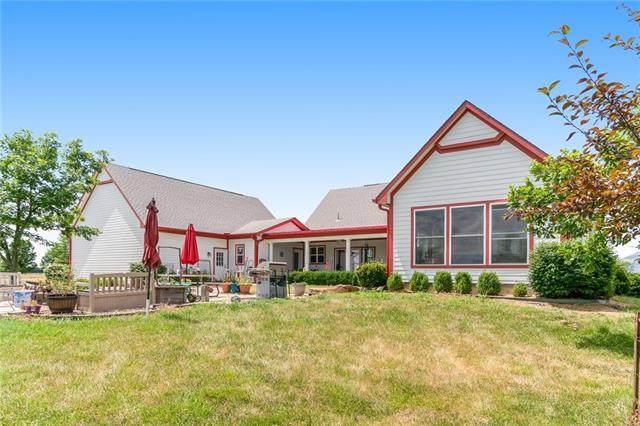 30421 W 263 Street, Paola, KS 66071 (#2327277) :: Team Real Estate