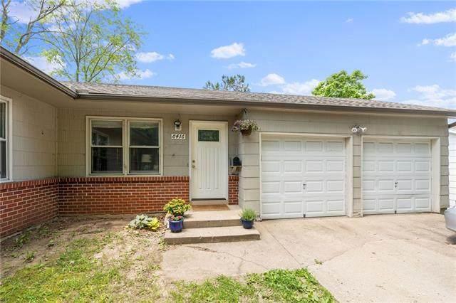 8416 Grandview Lane, Overland Park, KS 66212 (#2327292) :: Ron Henderson & Associates