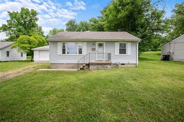 15612 E Tc Lea Road, Independence, MO 64050 (#2327318) :: Ron Henderson & Associates