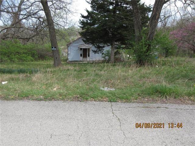 6205 N Wheeling Avenue, Kansas City, MO 64119 (#2327407) :: ReeceNichols Realtors