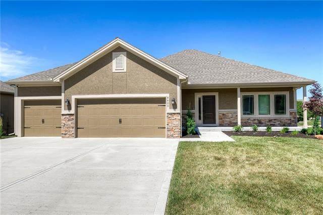 9400 N Ditzler Avenue, Kansas City, MO 64157 (#2327408) :: Ron Henderson & Associates
