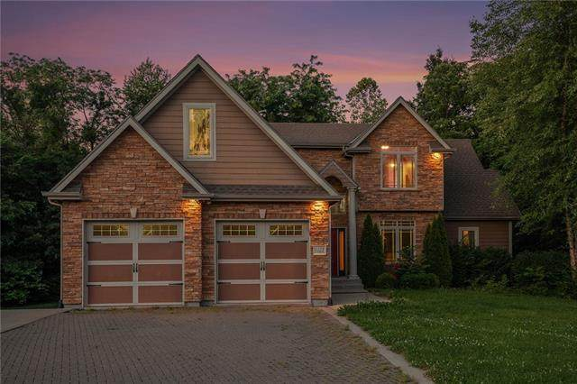 1123 N Belvidere Avenue, Independence, MO 64056 (#2327455) :: Edie Waters Network