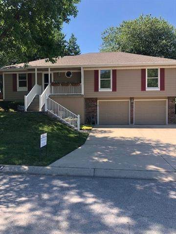 108 NW Palmer Drive, Blue Springs, MO 64014 (#2327542) :: Audra Heller and Associates