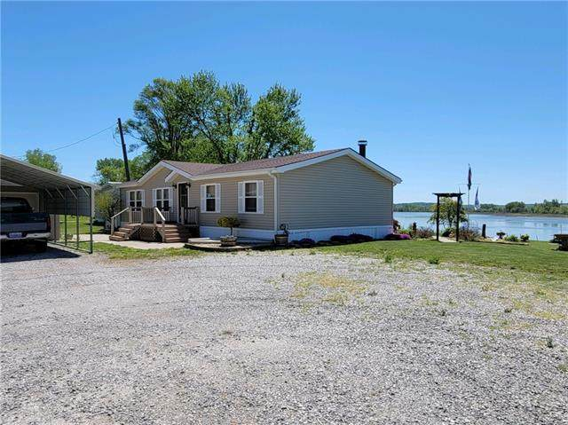 3210 SW Lakefront Lane, St Joseph, MO 64504 (#2327555) :: Edie Waters Network