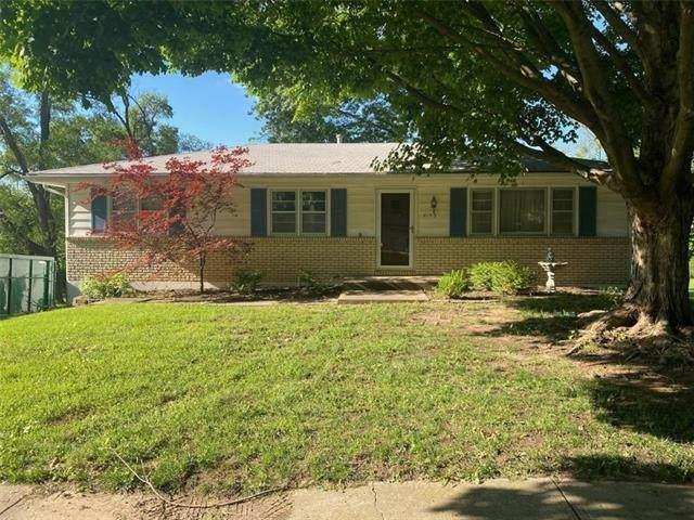 8153 Greeley Avenue, Kansas City, KS 66109 (#2327564) :: Eric Craig Real Estate Team