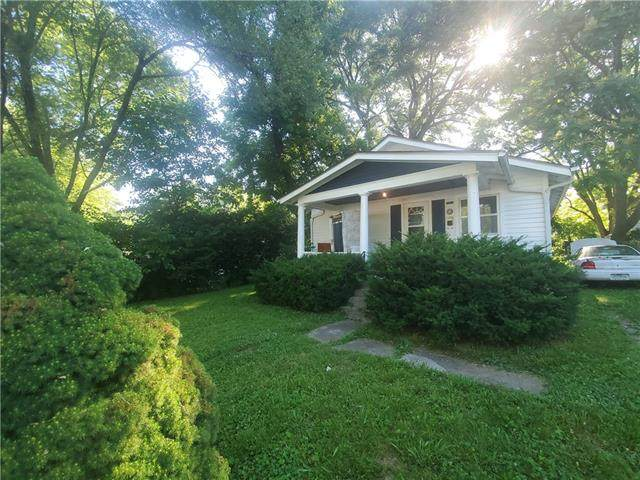 1731 S Hardy Avenue, Independence, MO 64052 (#2327610) :: Team Real Estate