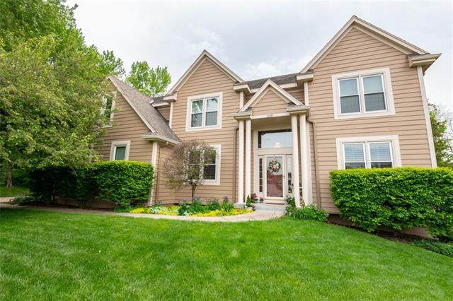 809 SW Springwater Lane, Lee's Summit, MO 64081 (#2327752) :: Team Real Estate