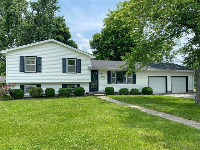 2300 E 9th Street, Sedalia, MO 65301 (#2327794) :: Team Real Estate