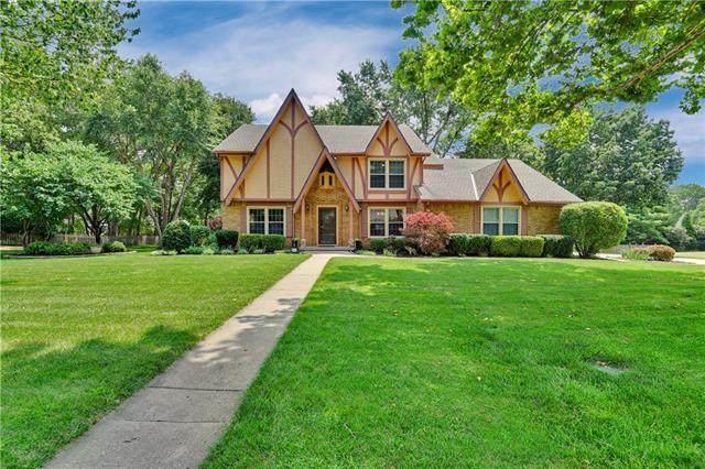 4013 W 138th Street, Leawood, KS 66224 (#2327823) :: Eric Craig Real Estate Team