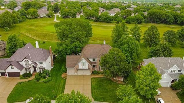 9409 Pine Street, Lenexa, KS 66220 (MLS #2327831) :: Stone & Story Real Estate Group