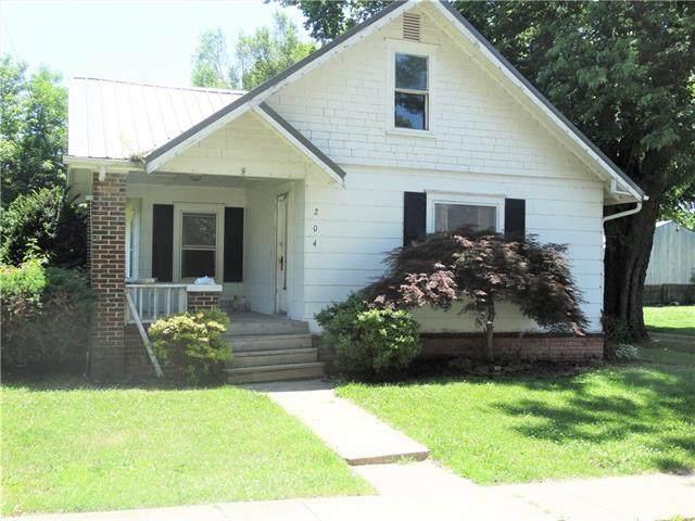 204 W Elm Street, Hardin, MO 64035 (#2327836) :: Edie Waters Network