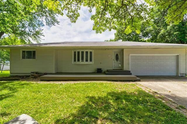 316 Madison Street, Pomona, KS 66076 (#2327849) :: Five-Star Homes
