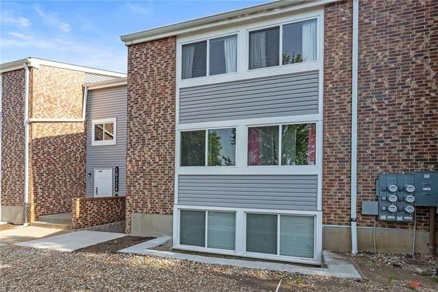 10124 W 96th Street F, Overland Park, KS 66212 (#2327855) :: Audra Heller and Associates