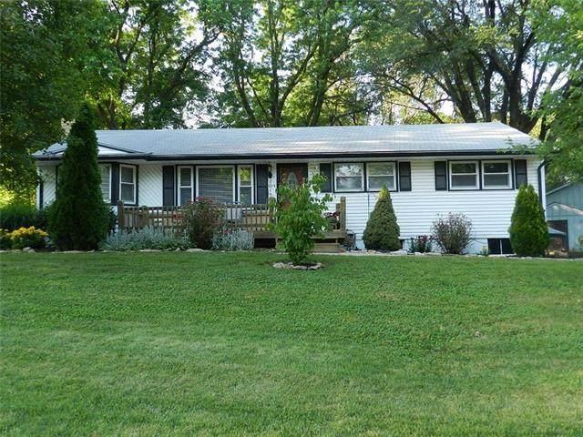 3015 N 78th Place, Kansas City, KS 66109 (#2327909) :: Eric Craig Real Estate Team