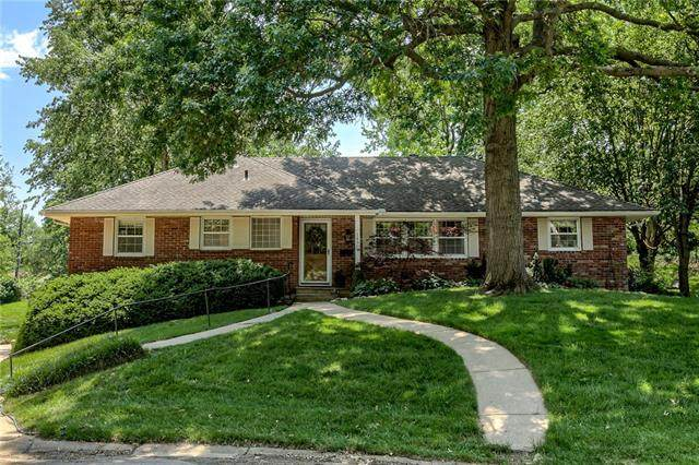 14909 E 39th Terrace, Independence, MO 64055 (#2327931) :: The Rucker Group