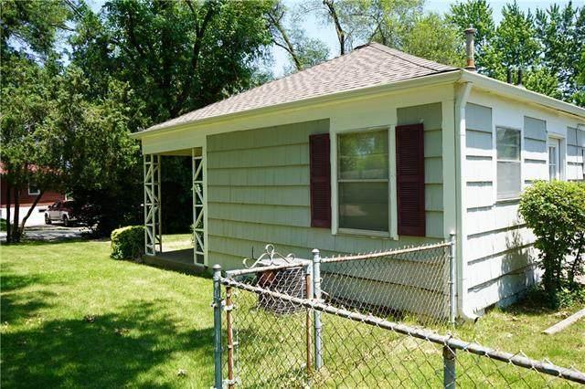 653 NE 46th Street, Kansas City, MO 64116 (#2327938) :: Five-Star Homes