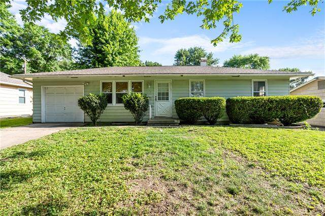 13616 E 41st Street, Independence, MO 64055 (#2327955) :: The Rucker Group