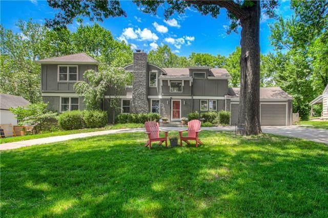 8432 Lee Boulevard, Leawood, KS 66206 (#2327971) :: Eric Craig Real Estate Team