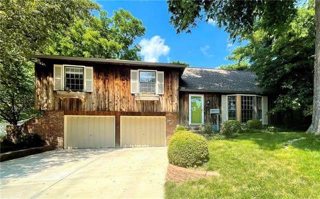 10006 Linden Street, Overland Park, KS 66207 (#2327984) :: Eric Craig Real Estate Team