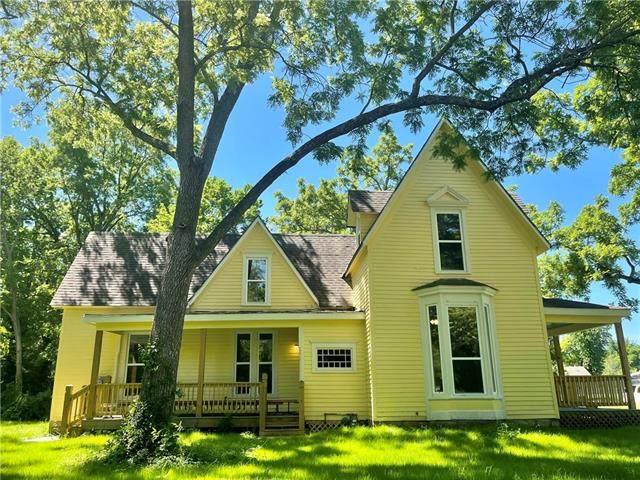 703 S Mulberry Street, Ottawa, KS 66067 (#2327988) :: Tradition Home Group | Better Homes and Gardens Kansas City