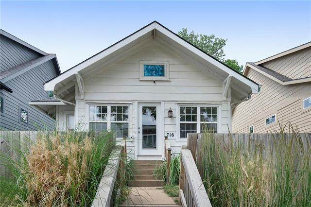 716 W 44th Terrace, Kansas City, MO 64111 (#2328014) :: Ask Cathy Marketing Group, LLC