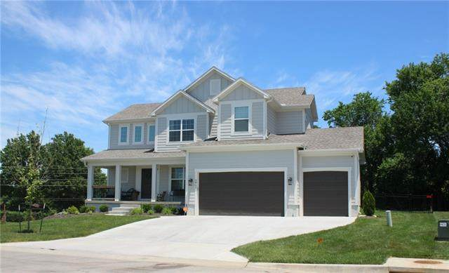 2911 SW Arbor Tree Drive, Lee's Summit, MO 64082 (#2328094) :: The Rucker Group