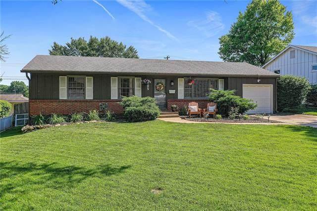 8905 W 94th Street, Overland Park, KS 66212 (#2328111) :: Eric Craig Real Estate Team