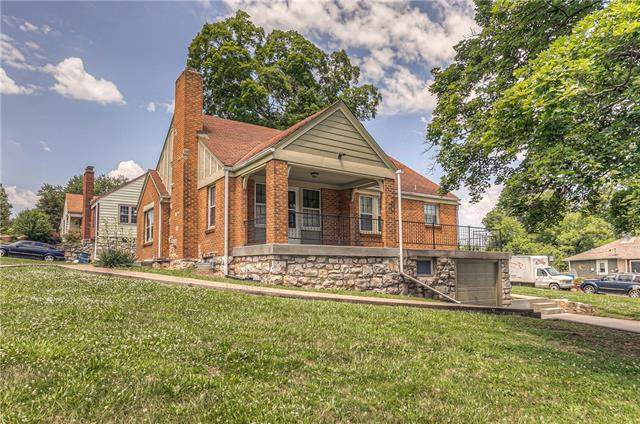 4000 Oakland Avenue, Kansas City, KS 66102 (#2328145) :: Eric Craig Real Estate Team