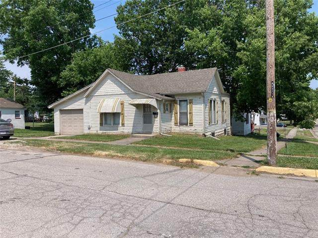 401 Jackson Street, Warrensburg, MO 64093 (#2328257) :: The Gunselman Team