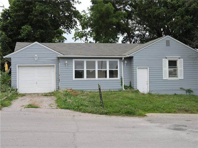 1300 N 7 Highway, Pleasant Hill, MO 64080 (#2328268) :: Audra Heller and Associates