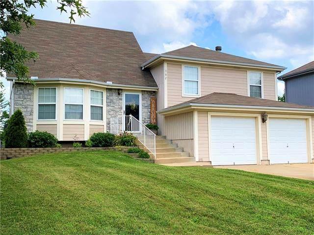 102 NW 114th Terrace, Kansas City, MO 64155 (#2328308) :: Audra Heller and Associates