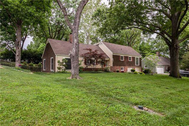 8024 Dearborn Drive, Prairie Village, KS 66208 (#2328348) :: ReeceNichols Realtors