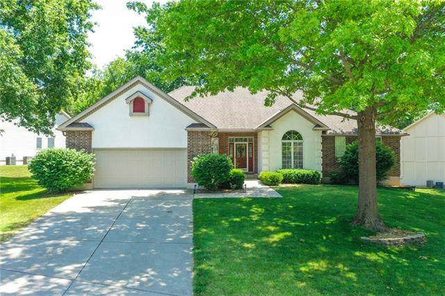 2212 SW Wall Street, Blue Springs, MO 64015 (#2328361) :: Ask Cathy Marketing Group, LLC