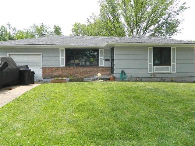 5809 E 95th Terrace, Kansas City, MO 64134 (#2328397) :: Edie Waters Network