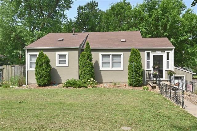 4852 NE Park Lane, Kansas City, MO 64118 (#2328451) :: Eric Craig Real Estate Team