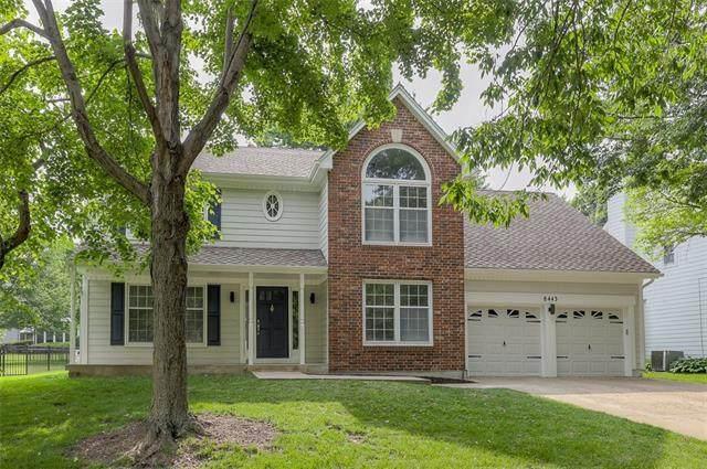 8443 Mettee Street, Lenexa, KS 66219 (#2328473) :: Dani Beyer Real Estate