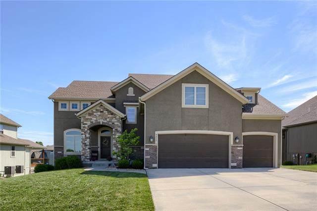 9311 N Farley Avenue, Kansas City, MO 64157 (#2328538) :: Edie Waters Network