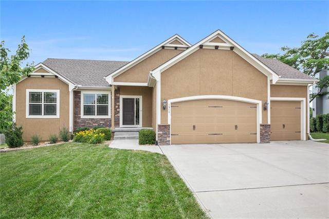 1515 Spur Ridge Circle, Raymore, MO 64083 (#2328549) :: Tradition Home Group   Better Homes and Gardens Kansas City