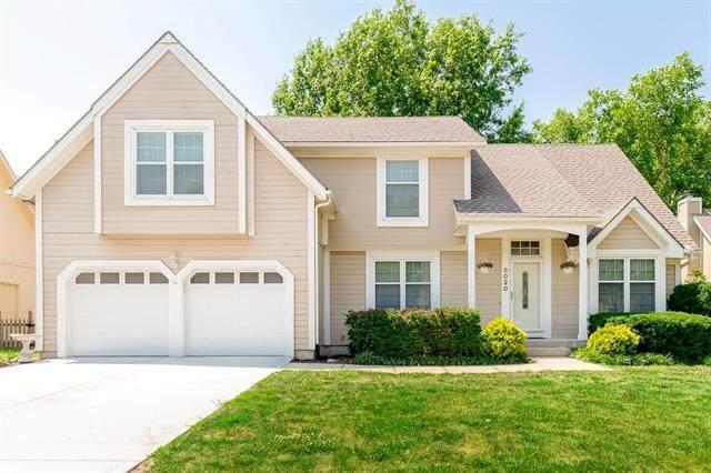 6020 W 158th Street, Overland Park, KS 66223 (#2328565) :: Austin Home Team