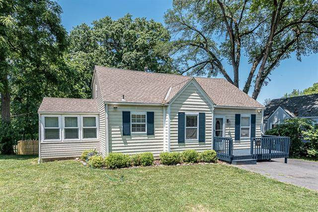 5710 Woodward Street, Merriam, KS 66202 (#2328567) :: Team Real Estate