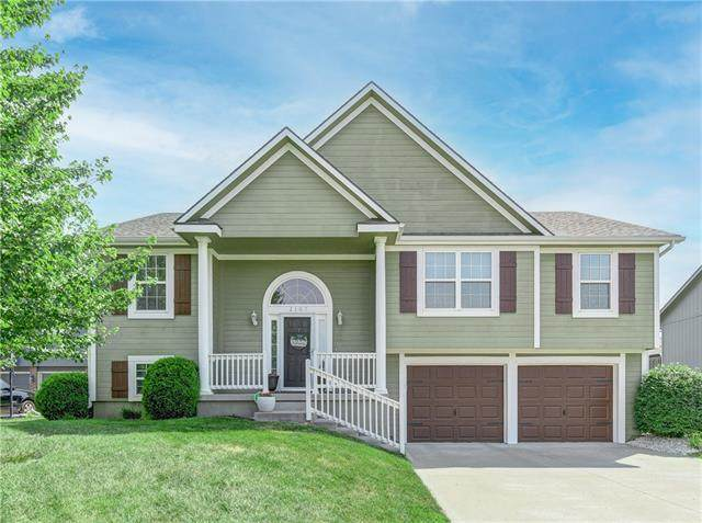 2107 NW Sweetgum Court, Grain Valley, MO 64029 (#2328582) :: Tradition Home Group | Better Homes and Gardens Kansas City