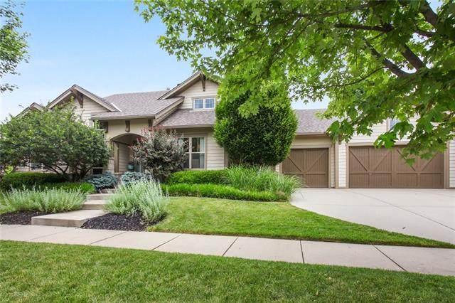 8310 N Shoal Creek Valley Drive, Kansas City, MO 64157 (#2328599) :: Edie Waters Network