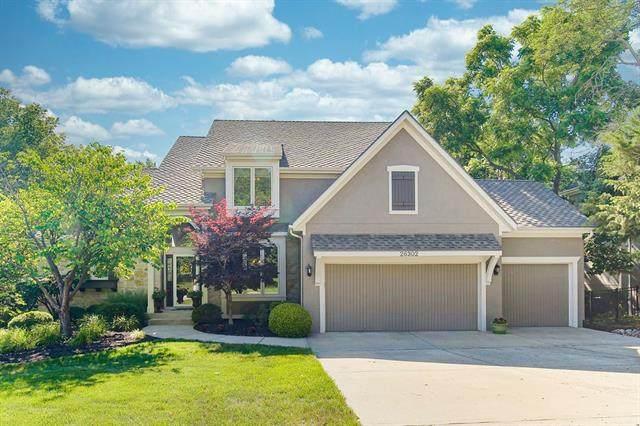 26302 W 110TH Terrace, Olathe, KS 66061 (#2328601) :: Austin Home Team
