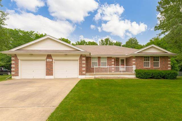1407 Red Bud Avenue, Pleasant Hill, MO 64080 (#2328668) :: Dani Beyer Real Estate